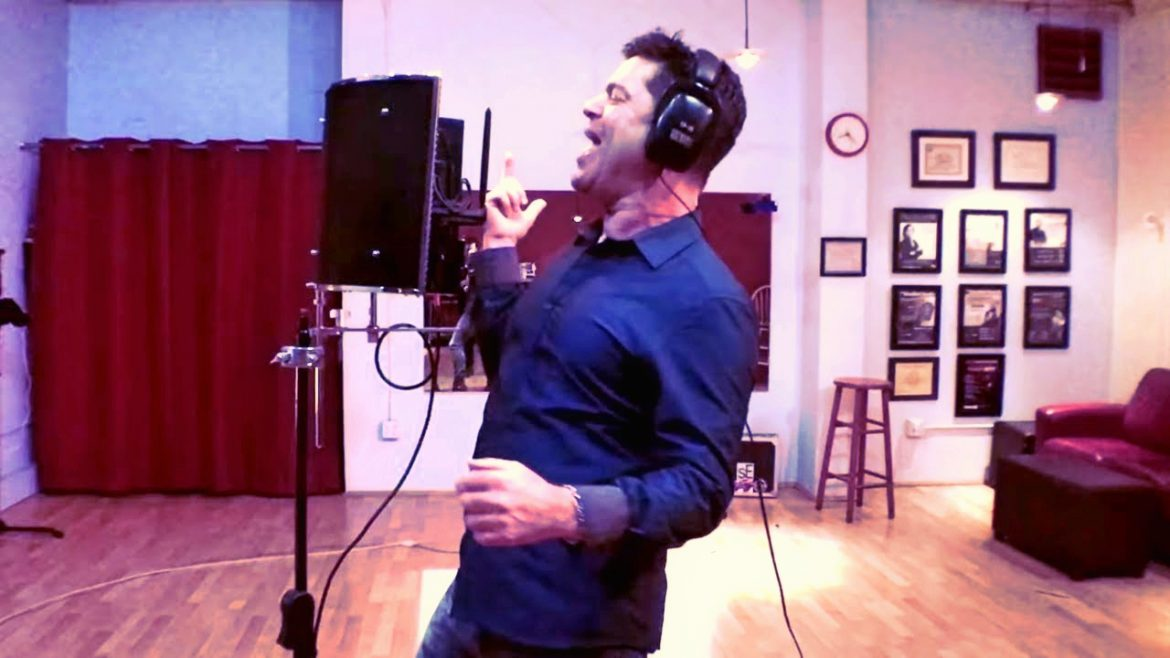 Robert Lunte of The Vocalist Studio Reviews the MA-1000